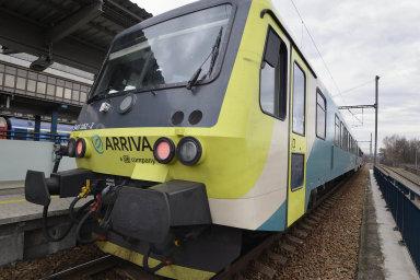 Nejvíce nových vlakových spojů nabídne od prosince Arriva. Ta dnes už jezdí na trati z pražské Hostivaře do Roztok.