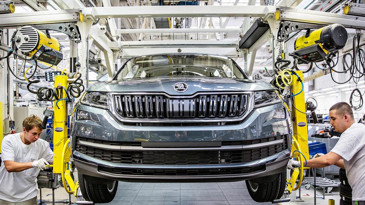 Odboráři vautomobilkách Škoda Auto aHyundai požadují čtrnáctidenní karanténu pro zaměstnance, což by znamenalo zastavení výroby.