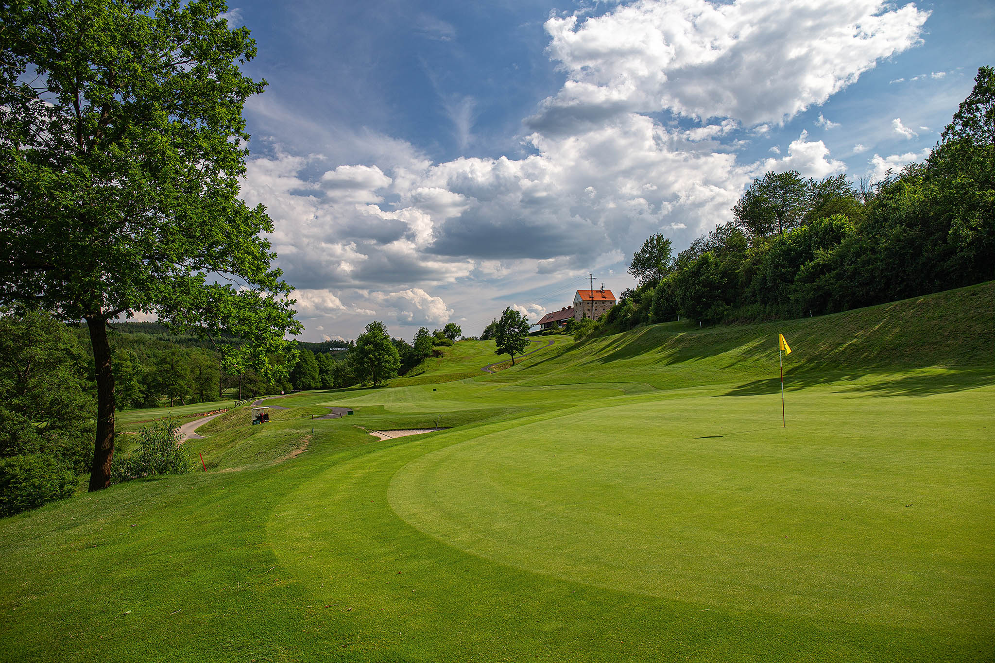 Greensgate Golf & Leisure Resort: 18 jamek, par 72, délka 6244 m, architekt Christoph Städler