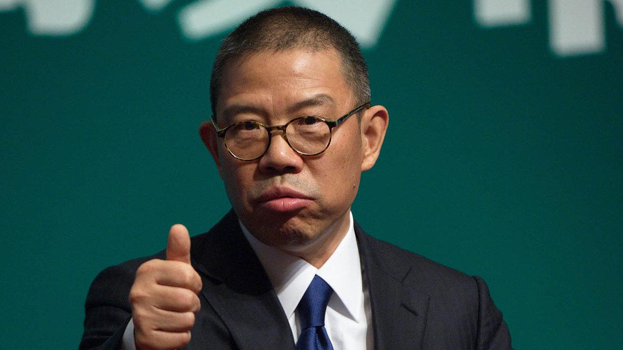 Nejbohatším Číňanem se stal magnát s balenou vodou Čung Šan-šan, který si pozici vyměnil se zakladatelem internetového obchodu Alibaba Jackem Maem.