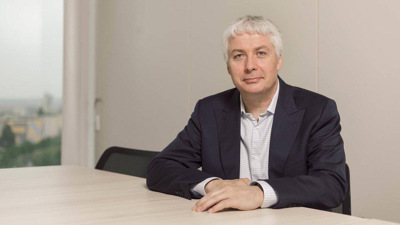 Portfolio manažer Ján Hájek má nastarosti výběr investic donejvětšího českého akciového podílového fondu Top Stocks.