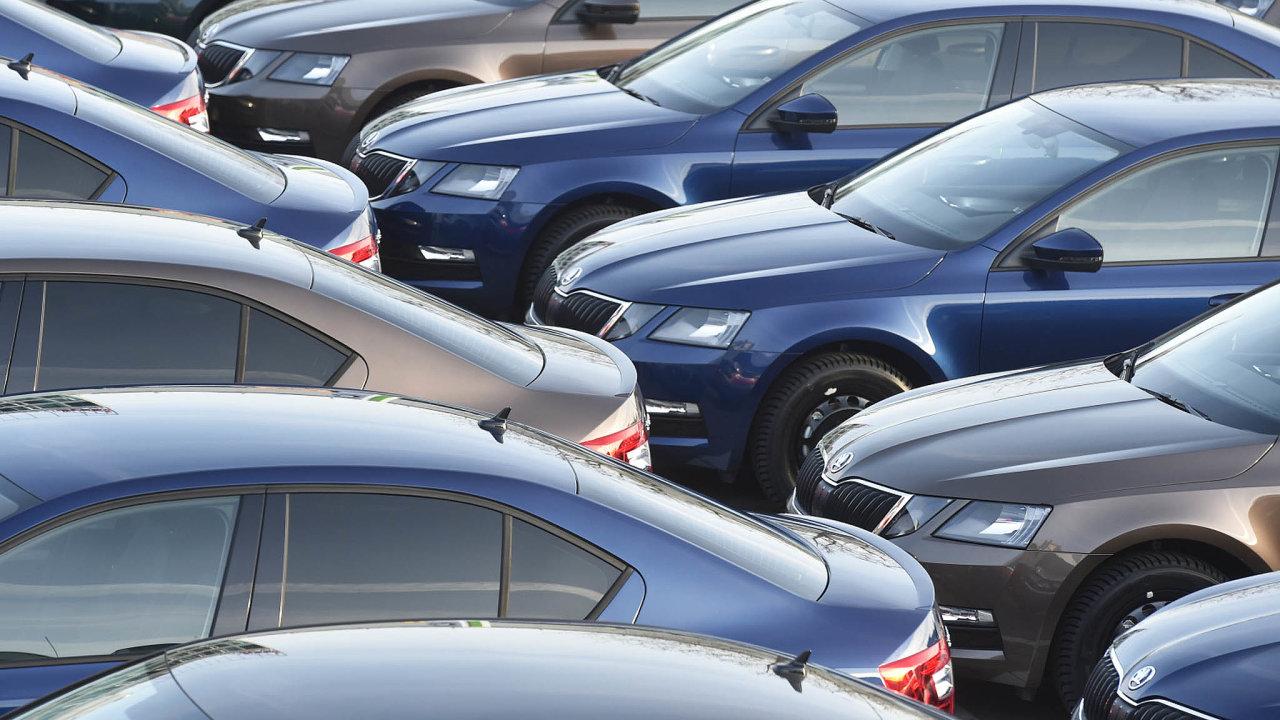 Nejprodávanějším vozem loňského roku byla v Česku opět Škoda Octavia. Prodalo se jich 19 091.