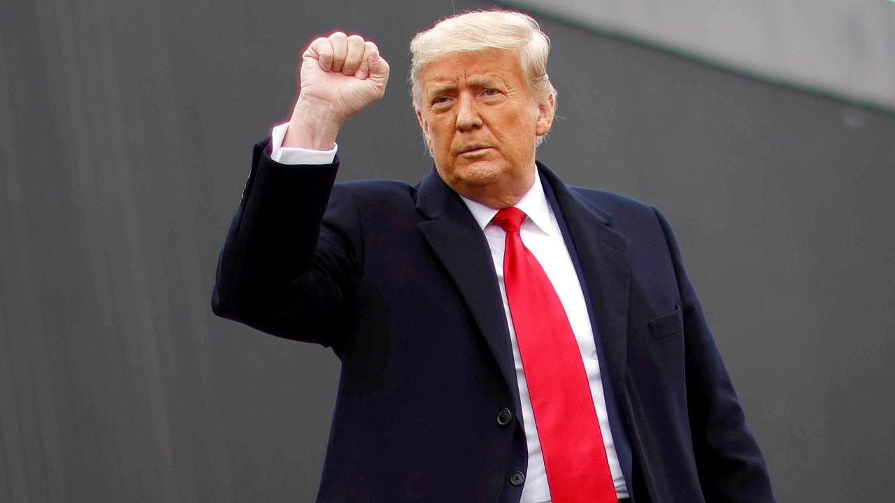 Přípravkem firmy Regeneron se léčil bývalý americký prezident Donald Trump, kterého výsledky tak ohromily, že chtěl, aby se léčba stala volně dostupnou všem Američanům.