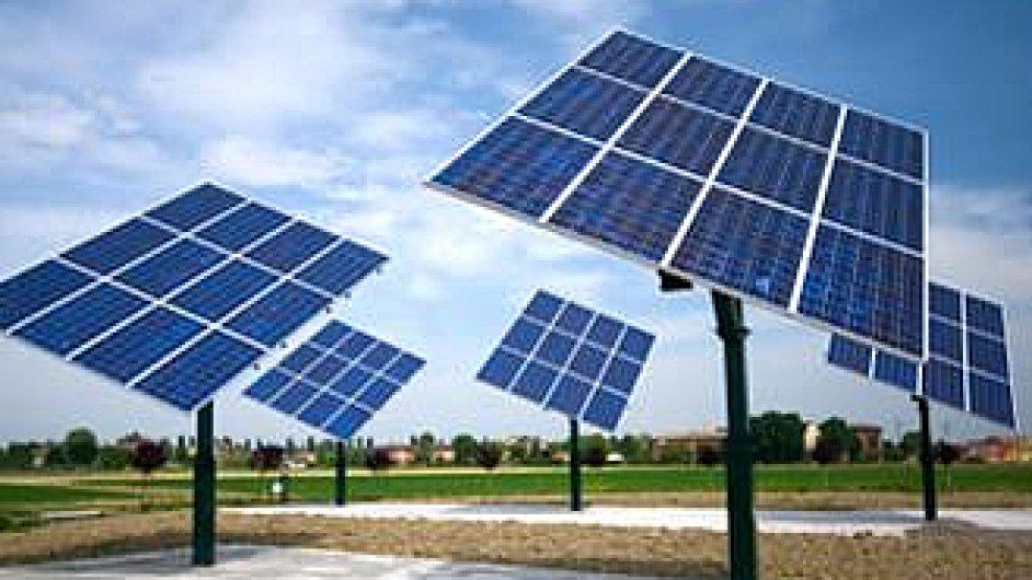 Bouřlivý rozvoj solárních panelů a větrníků má své hranice