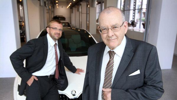 Petr Hrdli�ka a jeho syn Martin. Dv� generace konstrukt�r�, kter� sv�j �ivot zasv�tily �kod�.
