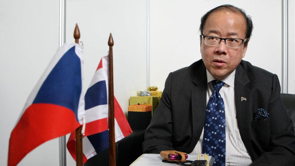 Thajský velvyslanec v Praze Vitavas Srivihok