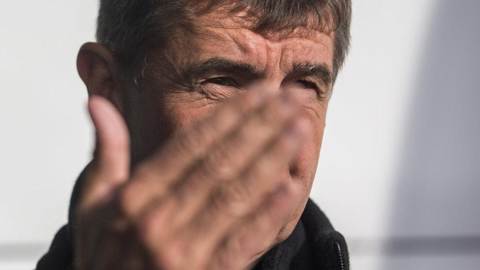 Andrej Babiš se snaží získat do svého týmu experty z NERV