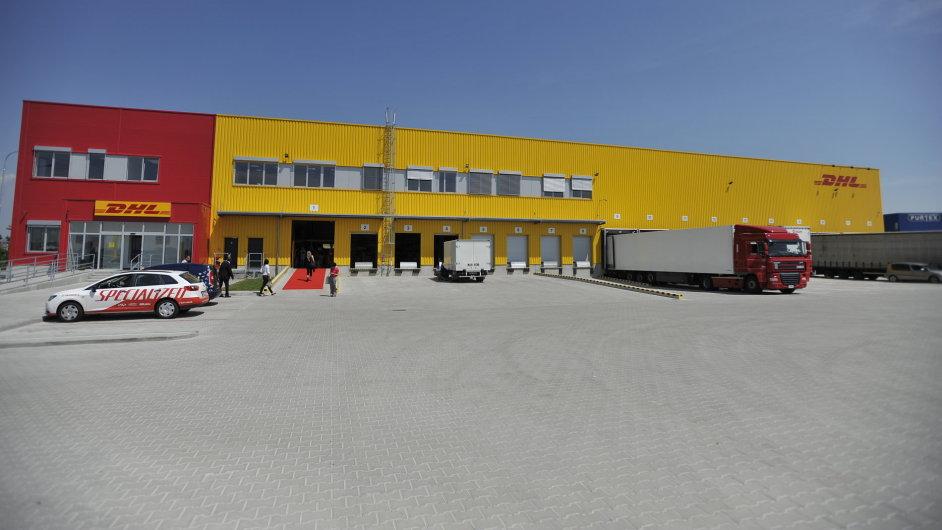 Nový terminál DHL Express u D8 nedaleko Prahy
