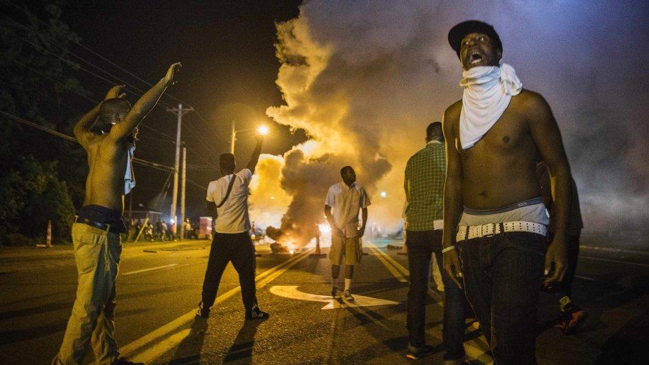 Současné situaci ve Fergusonu šlo podle mnohých zabránit, kdyby o zastřelení mladého Michaela Browna existovaly průkazné důkazní videomateriály.