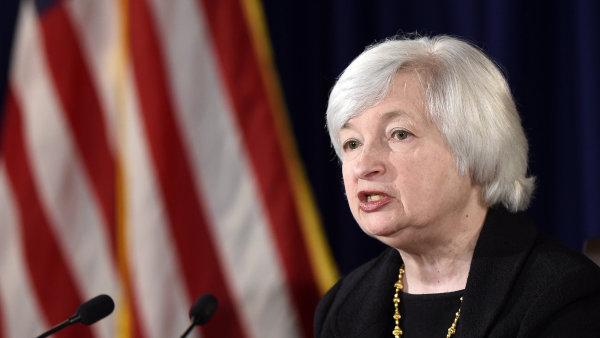Fed i s jej� ��fkou Janet Yellenov� si mysl�, �e r�st ekonomiky USA brzd� siln� dolar a levn� energie - Ilustra�n� foto.
