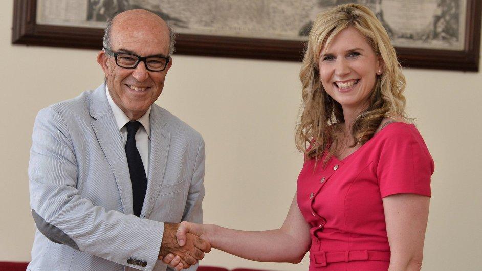 Ministryně školství Kateřina Valachová se setkala s šéfem společnosti Dorna Carmelem Ezpeletou.