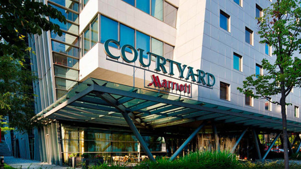Hotel Courtyard z řetězce Marriott v Praze.