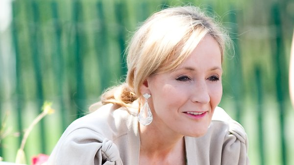 První díl ságy o Harrym Potterovi od J. K. Rowlingové (na snímku) v angličtině vyšel roku 1997.