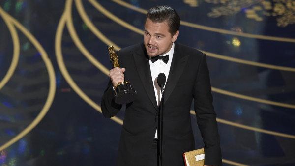 Leonardo DiCaprio se do�kal sv�ho prvn�ho Oscara.