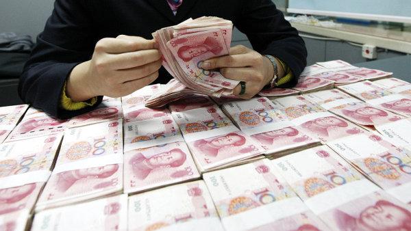 Čína poslala do vězení 24 lidí kvůli obřímu finančnímu podvodu - Ilustrační foto.