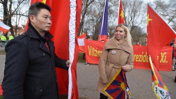 Podobně si různá místa v Praze zabraly neznámé společnosti i v březnu loňského roku během návštěvy čínského prezidenta.