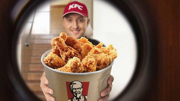 Únik ropy to sice není, ale i tak se z dovážkové služby KFC stala pořádná aféra - Ilustrační foto.