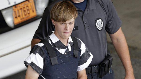 Dylann Roof, který se v závěrečné části procesu obhajoval sám, už dříve uvedl, že nemíní proti uložení trestu smrti nijak bojovat.