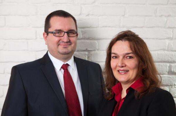 Tomáš Konečný, Sales Manager, a Stanka Plavšic, B2B Account Manager společnosti Toshiba