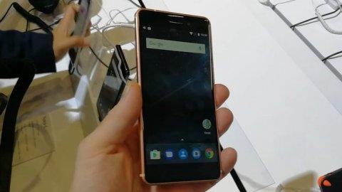 Nokia_6.jpg