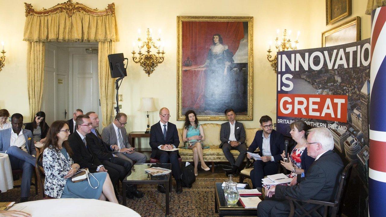 Ofin-tech abudoucnosti Londýna jako světového finančního centra diskutovali účastníci Fóra HN.