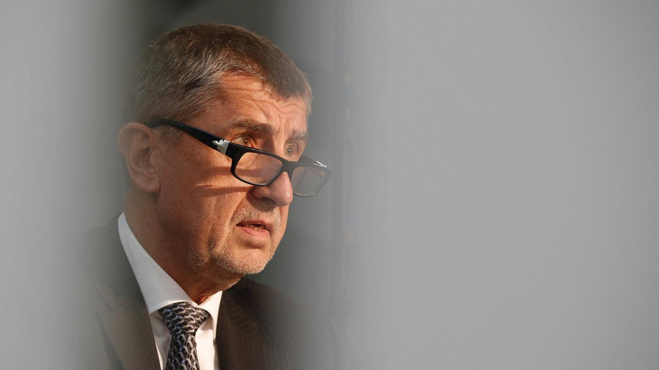 Andrej Babiš v DVTV Praha 4.5.2017
