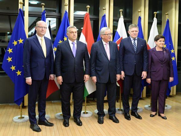 EU MADARSKO CR SLOVENSKO POLSKO SUMMIT JUNCKER V4 855