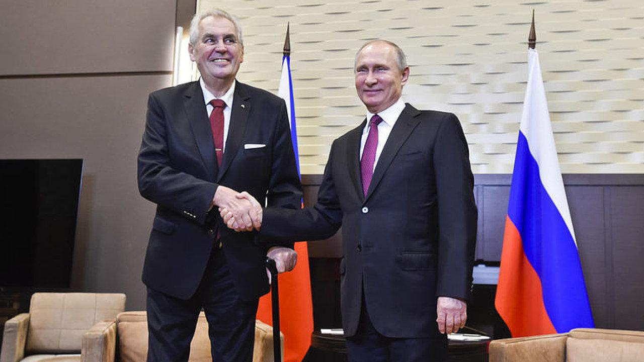 Zeman je ruskou zbraní, jeho výrok o novičoku byl mocným úderem proti Británii, tvrdí analytik.