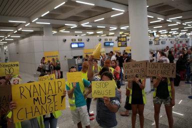 Palubní personál Ryanairu v pěti evropských zemích plánuje stávku - Ilustrační foto.