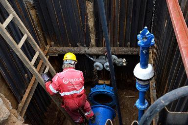 Když se před čtyřmi lety dostala kontaminovaná voda do potrubí v pražských Dejvicích, získali kompenzaci pět tisíc korun jen někteří obyvatelé. S hromadnou žalobou by byla jejich pozice silnější.