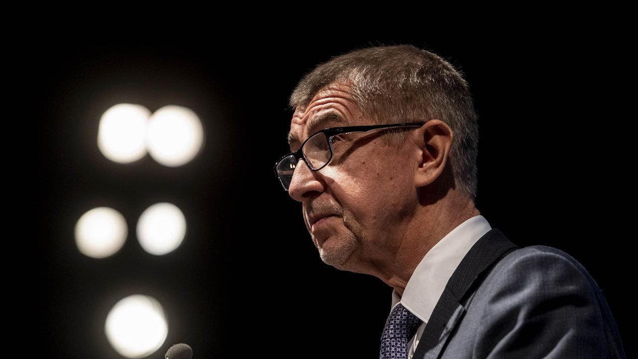 Babiš v zahajovacím projevu na pražské konferenci uvedl, že nástup sítí 5G posune vpřed všechna odvětví včetně výroby, energetiky či zemědělství.