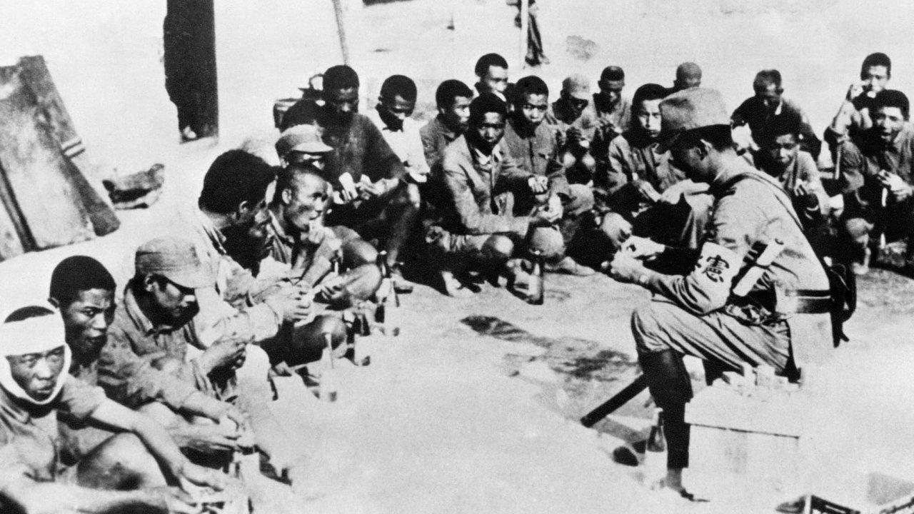 Válečné utrpení. Čínští hrdinové bránili svěřené území proti Japoncům, současná čínská garnitura jejich činy problematizuje.