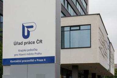 Nezaměstnanost v Česku v říjnu klesla na 2,6 procenta.