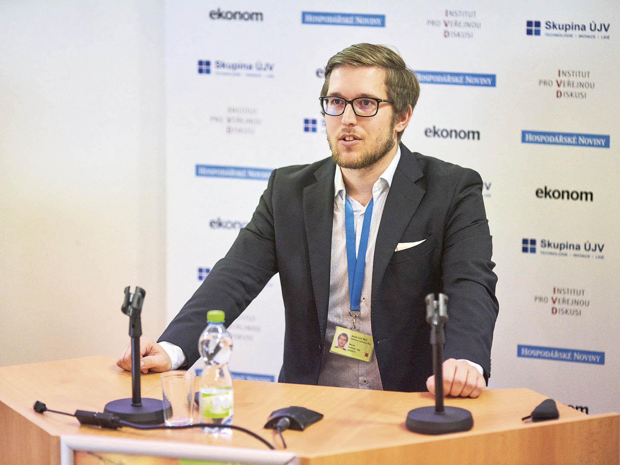 Domácí projekt Energy Well, který vyvíjí dceřiná firma ÚJV Řež, představilMarek Ruščák. Dokončení vývoje předpokládá kolem roku 2030 vzávislosti nafinancování.