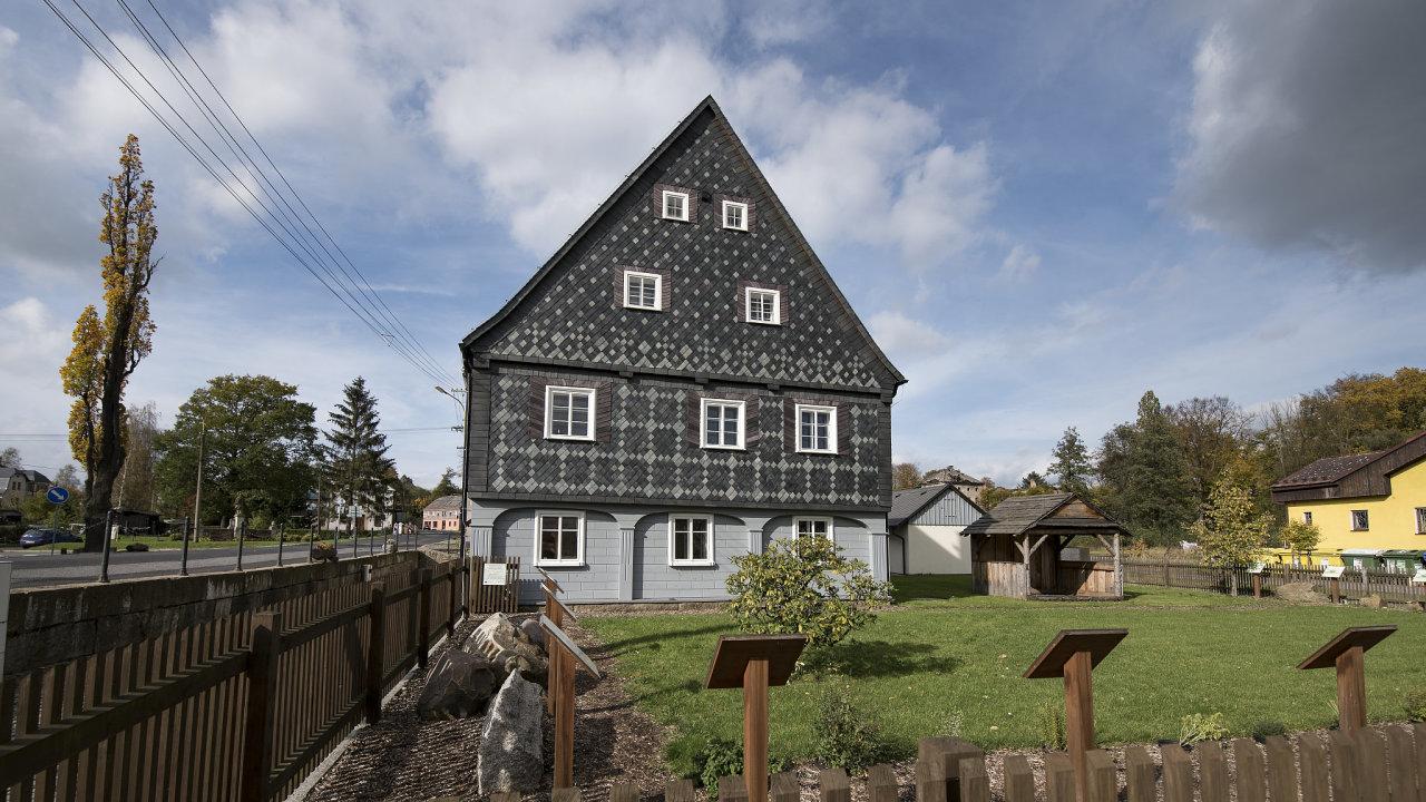 Podstávkový dům v Lipové