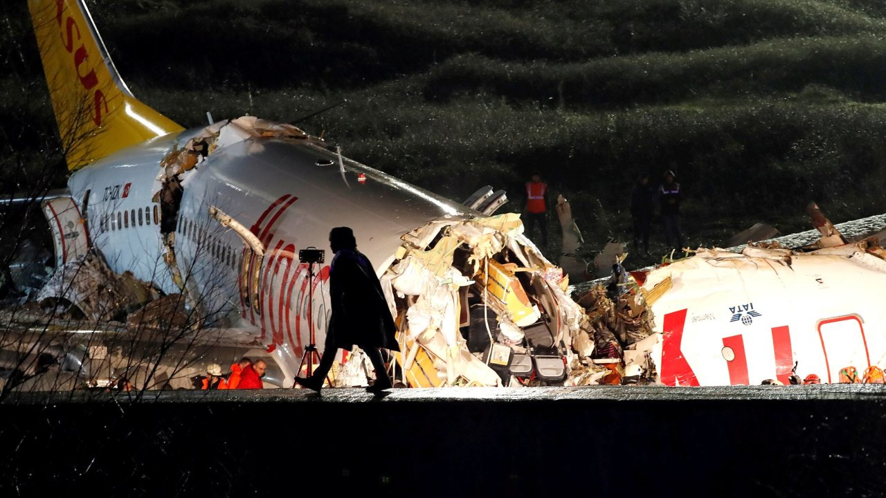Turecko, Istanbul, letadlo, havárie