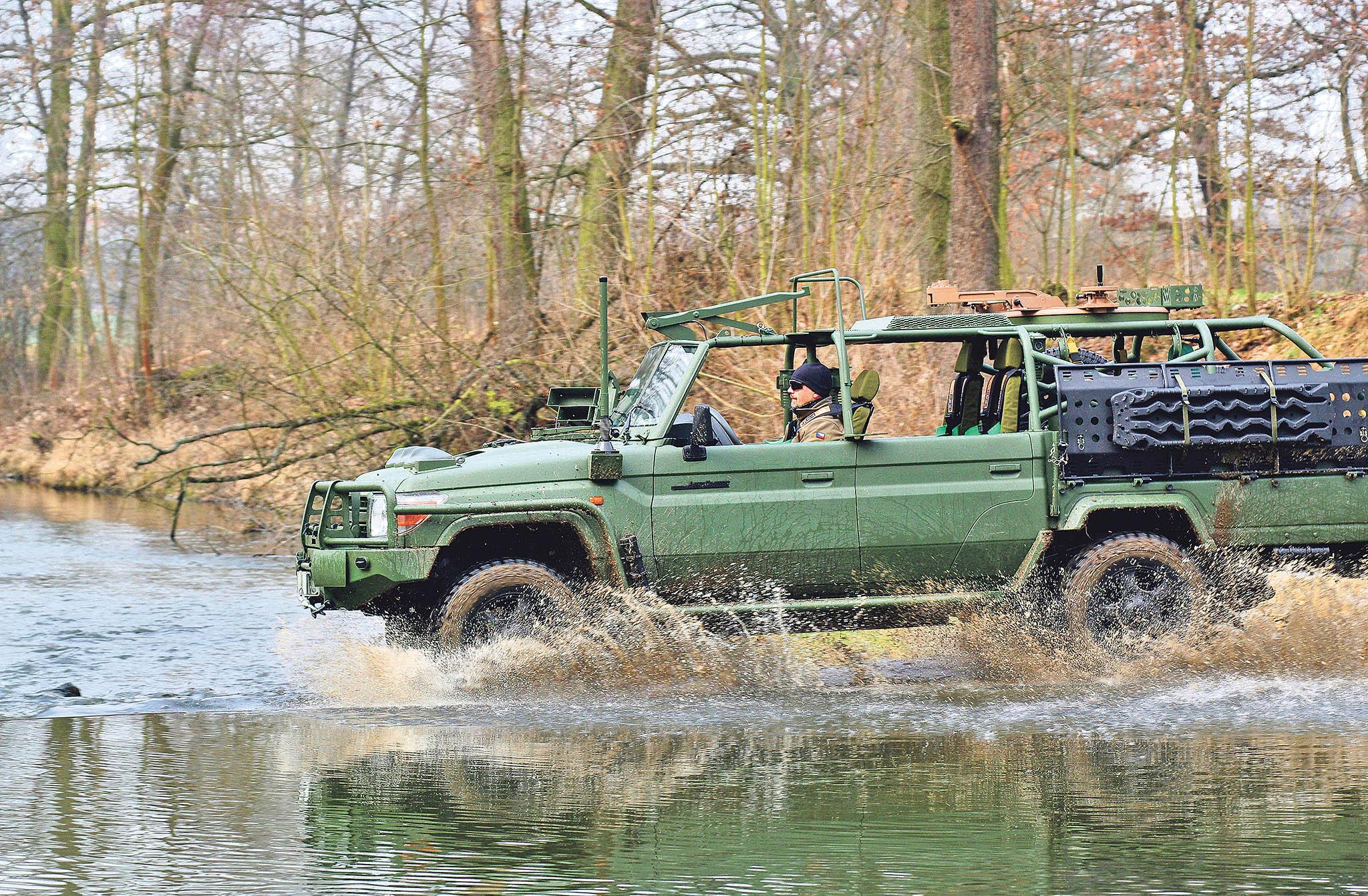 Lehké obrněné vozidlo LRPV Gepard je postavené na celosvětově rozšířeném podvozku Toyota LC70. Speciální úpravy a vybavení jsou ale plně v režii českých firem, mezi nimiž jsou i české státní podniky. Jde o ideální vozidlo pro patrolování na zelené hranici Česka či pro rychlý transport vojáků i mimo běžné komunikace.