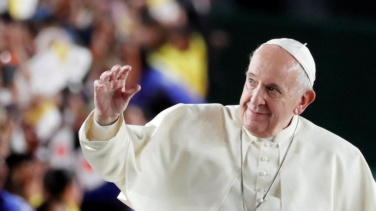 Papež František včera při setkání slidmi zasaženými vroce 2011 havárií jaderné elektrárny veFukušimě vyzval, aby se svět znovu zamyslel nad udržitelností nukleární energie.