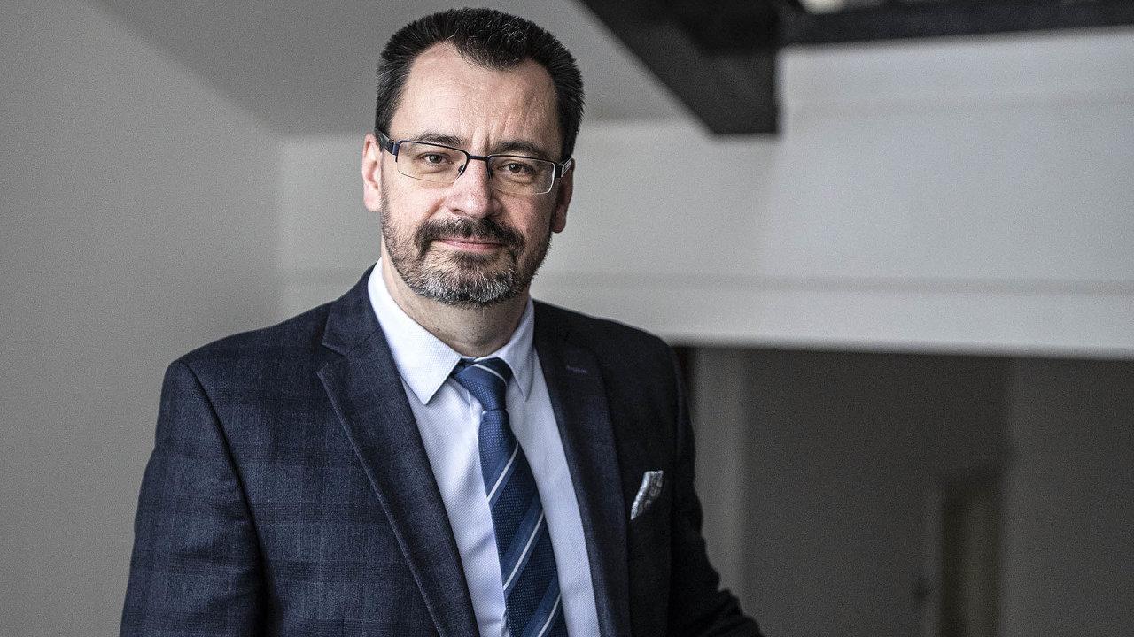 Soudce manažer. Luboš Dörfl uspěl ve vedení dvou soudních institucí, transformace Vrchního soudu v Praze je pro něj zatím nejtěžším úkolem takového durhu.
