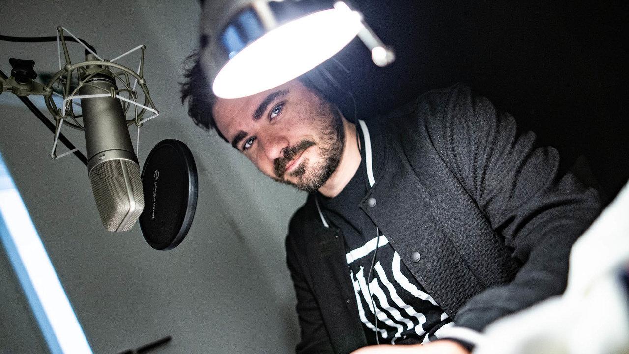 Loni vyšlo 442 nových audioknih. Mezi nimi třeba Medvídek Pú v interpretaci Vojtěcha Kotka.