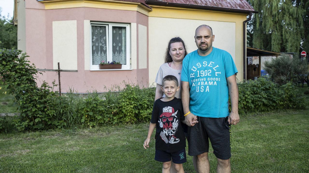 Rodina Minaříkových. Seriál všichni na nás zapomněli. Mariánské Radčice u Litvínova. 9.6.2021