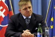 Slovenský parlament schválil dvojjazyčné názvy do učebnic
