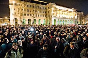 Kdo jsou ti kritikové? (Protesty v Budapešti proti mediálnímu zákonu)/foto ISIFA