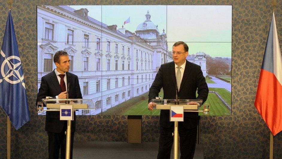 Premiér Nečas a generální tajemník NATO Rasmussen