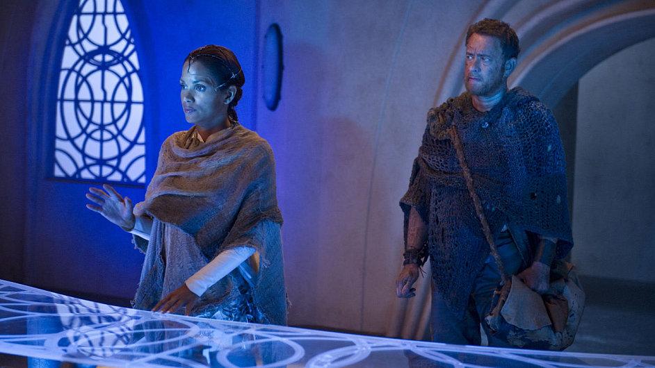 Tom Hanks musí překonat vlastní zbabělost, odměnou mu bude láska v podobě Halle Berryové