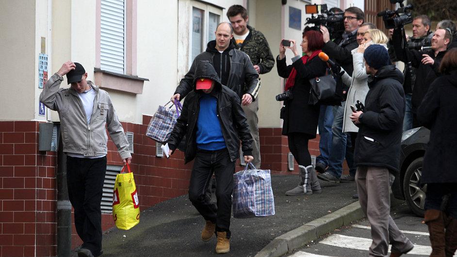První propouštění vězňů v Teplicích.