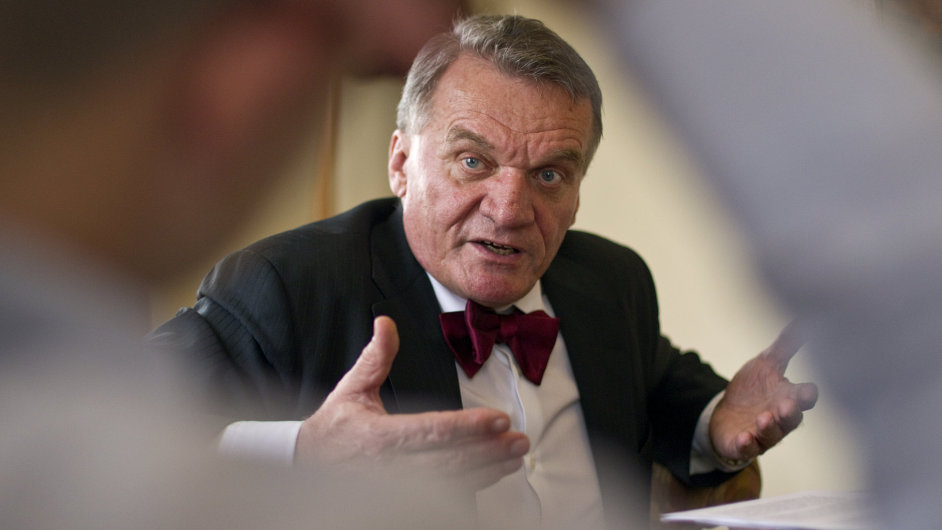 Policie v pátek stáhla žádost o vydání bývalého premiéra Bohuslava Svobody.