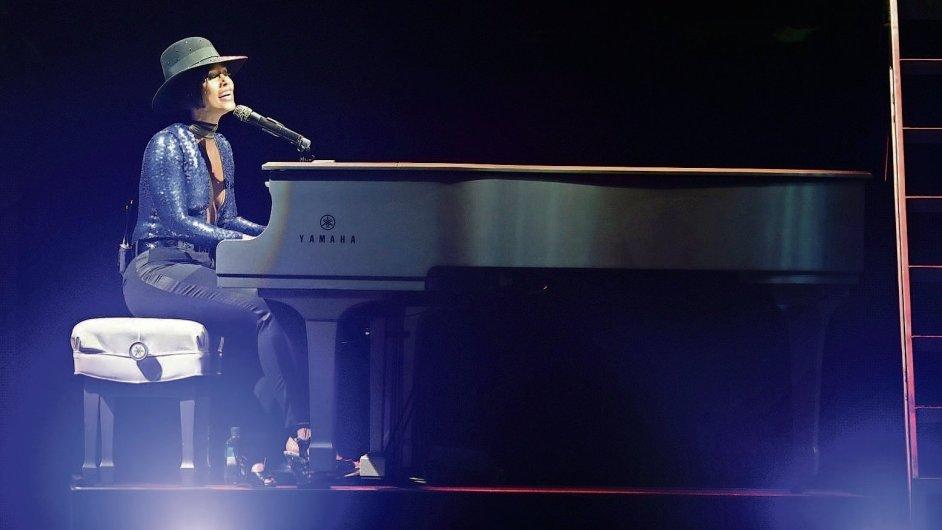 Předskokanem Alicie Keys (na obrázku) v Praze je zpěvák Miguel.