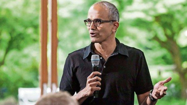 Ind Satya Nadella je teprve t�et�m gener�ln�m �editelem Microsoftu za jeho t�m�� �ty�icetiletou historii.