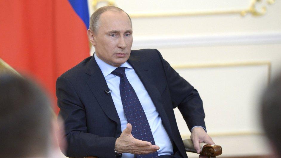Ruský prezident Vladimir Putin na tiskové konferenci